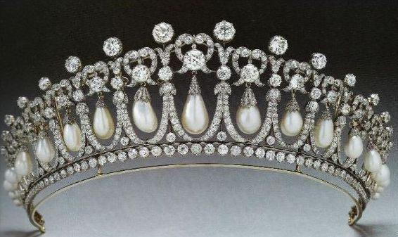 lovers-knot-tiara