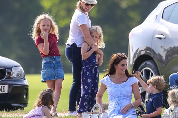 UK, Kate Middleton (con figli) assiste ad una partita di polo